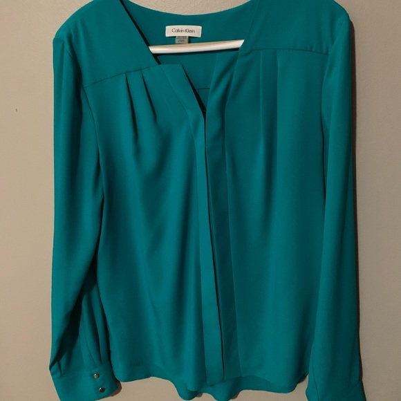 Calvin Klein turquoise blouse great condition